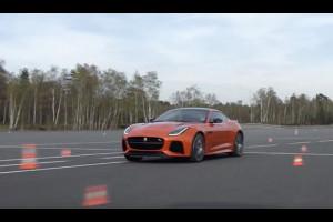 Pirelli P Zero e Jaguar F-Type SVR: potenti alleati di Romain Grosjean nella sfida Gymkhana [VIDEO]