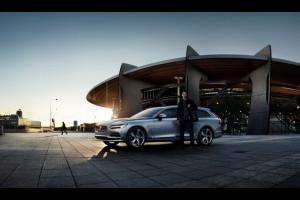Volvo V90: Zlatan Ibrahimović a contatto con la raffinatezza svedese [FOTO E VIDEO]