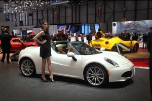 """Alfa Romeo 4C Spider, il """"biscione"""" è arrivato a Ginevra [FOTO LIVE]"""