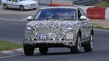 Jaguar E-Pace foto spia 4 Aprile 2017