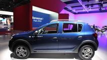 Dacia: tutte le novità presentate al Salone di Parigi 2016 [VIDEO INTERVISTA]