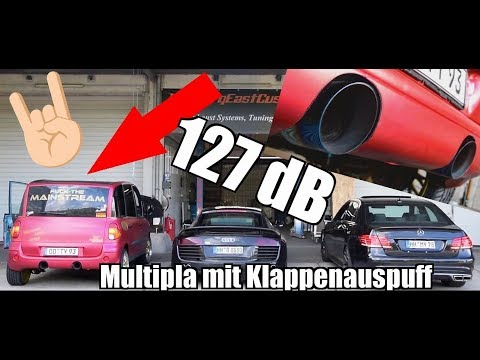 Fiat Multipla VS Audi R8 VS Mercedes-Benz E500: battaglia a colpi di gas! [VIDEO]