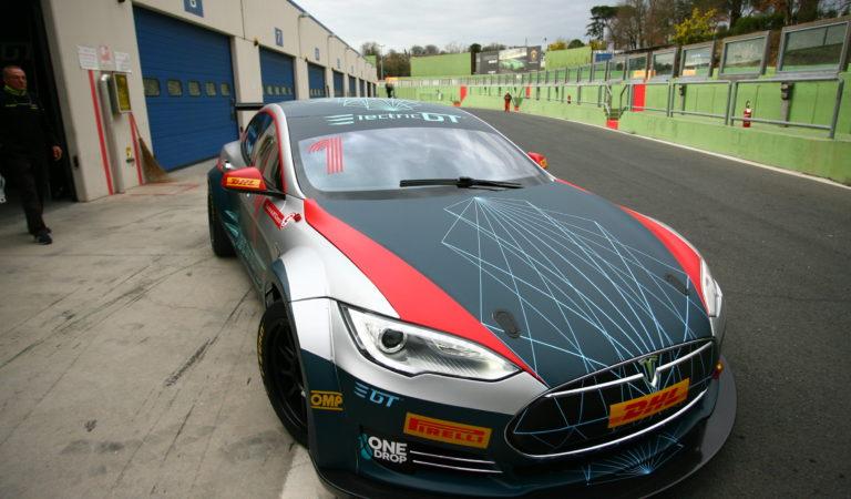 Il Campionato per le Tesla e le auto elettriche del futuro è realtà, parola di FIA