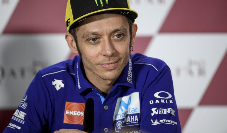 MotoGP | Il nuovo casco di Valentino Rossi si ispira alla F1 degli anni '70