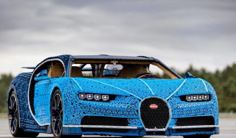 Bugatti e LEGO hanno costruito una Chiron in scala 1:1 con tanto di motore
