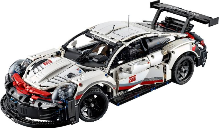 La Porsche 911 RSR by LEGO Technic