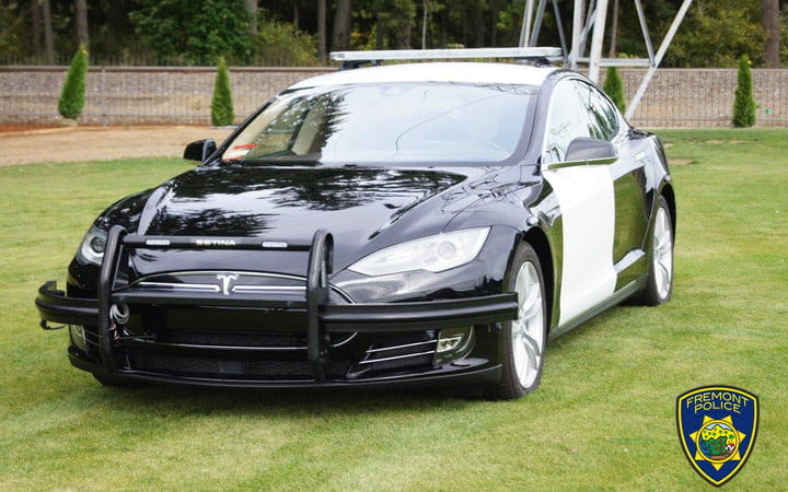 In California la Polizia ha scelto una Tesla Model S come vettura di servizio