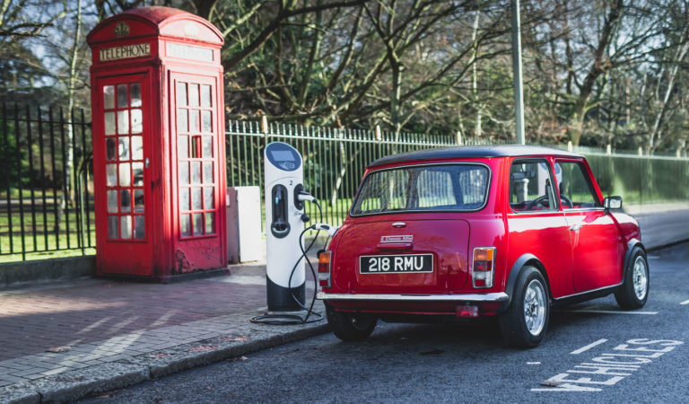 In Inghilterra arriva la Swind E Classic MINI, tutta elettrica ed in soli 100 pezzi