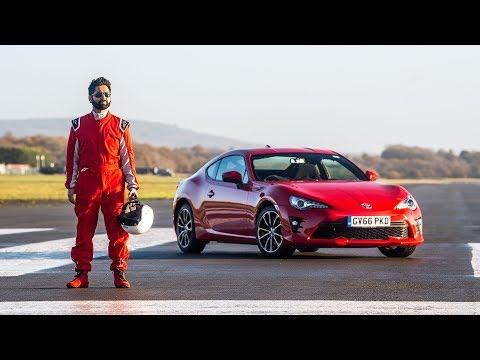 Un pilota non vedente ha stabilito un tempo record sul circuito di Top Gear [VIDEO]