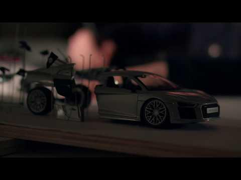 Ecco com'è dentro un'Audi R8 quando ESPLODE [VIDEO]