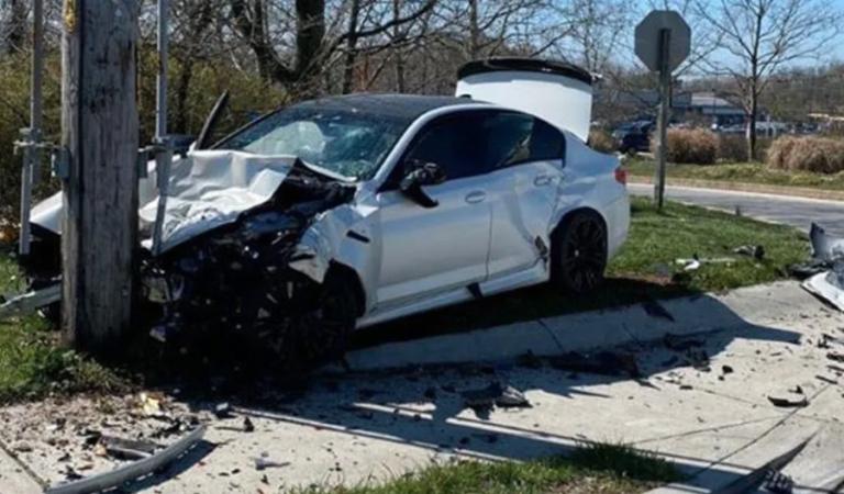 Uomo compra una BMW M5 e la distrugge 10 minuti dopo