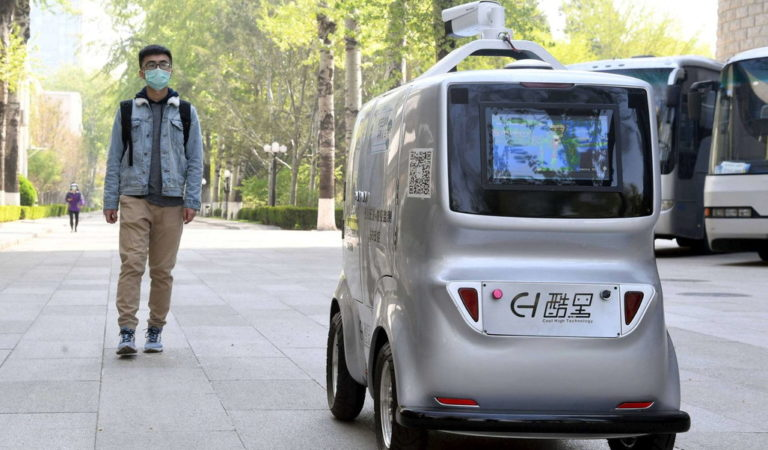 Coronavirus. Per le strade di Pechino arriva un Robot che misura la temperatura dei cittadini
