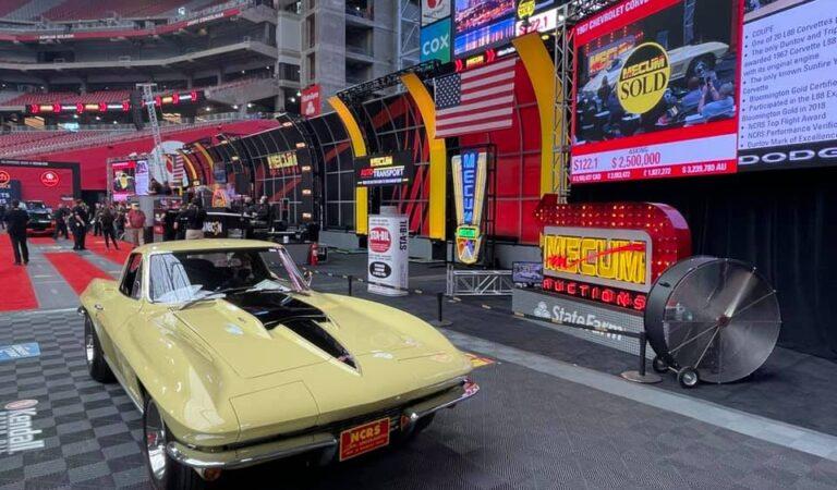 Una rara Chevrolet Corvette del 1967 è stata venduta ad un'asta per una cifra record!