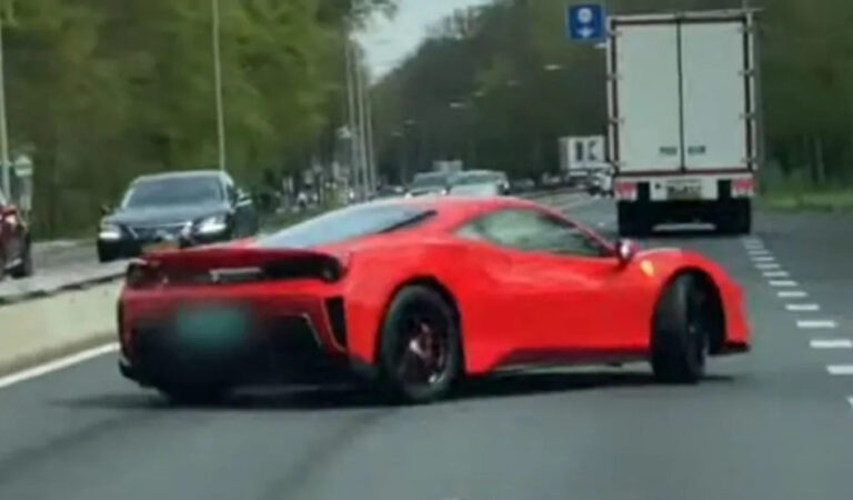 Olanda: incredibile incidente per una Ferrari 488 Pista (VIDEO)