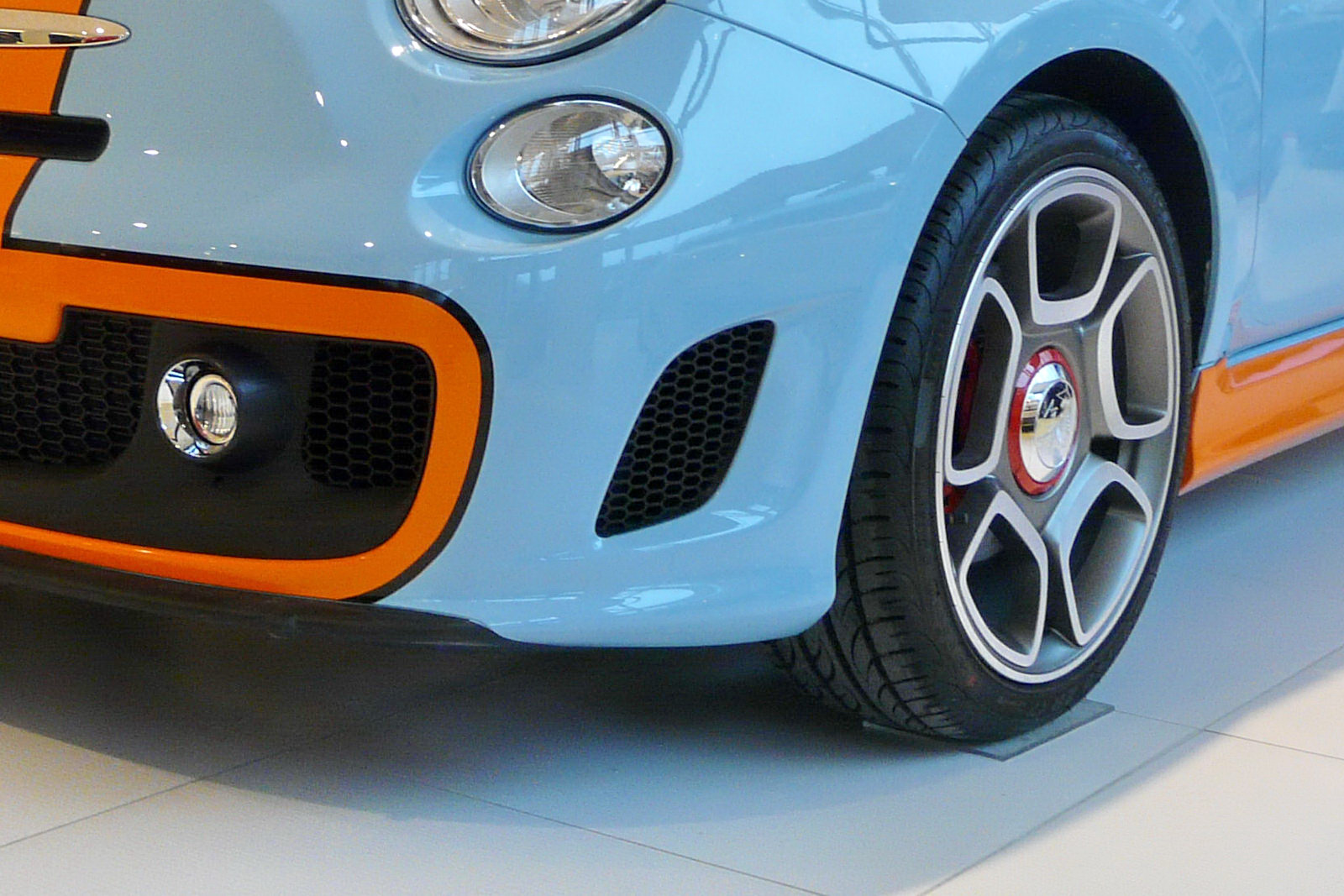 Abarth 500 Gulf Limited Edition