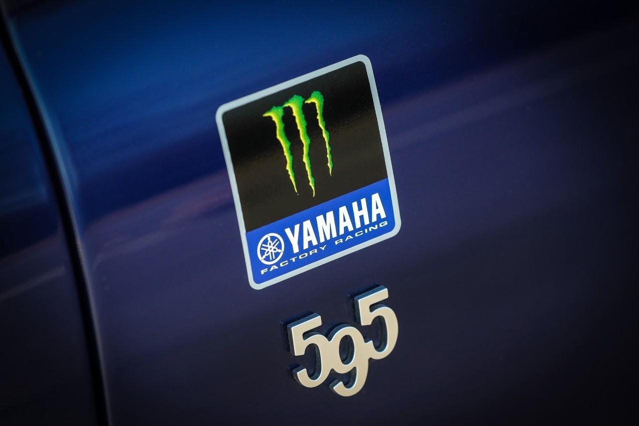 Abarth 595 Scorpioneoro e Monster Energy Yamaha