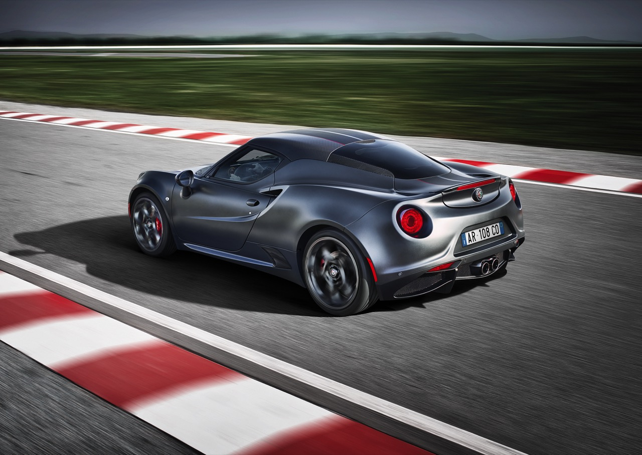 alfa romeo 4c coupe competizione e 4c spider italia 6 7. Black Bedroom Furniture Sets. Home Design Ideas