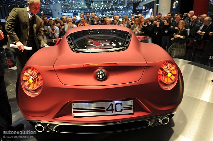 Alfa Romeo 4C GTA Concept live