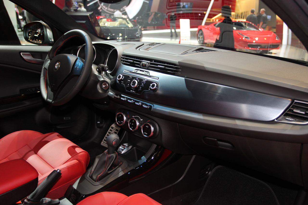 Alfa Romeo Giulietta Pack Quadrifoglio Verde Sportiva Html Autos Weblog