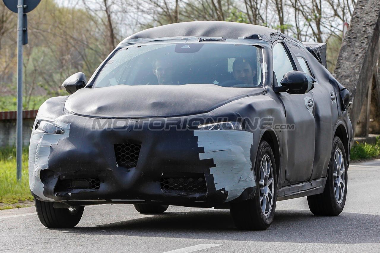 Alfa Romeo Stelvio - Foto spia 10-5-2016