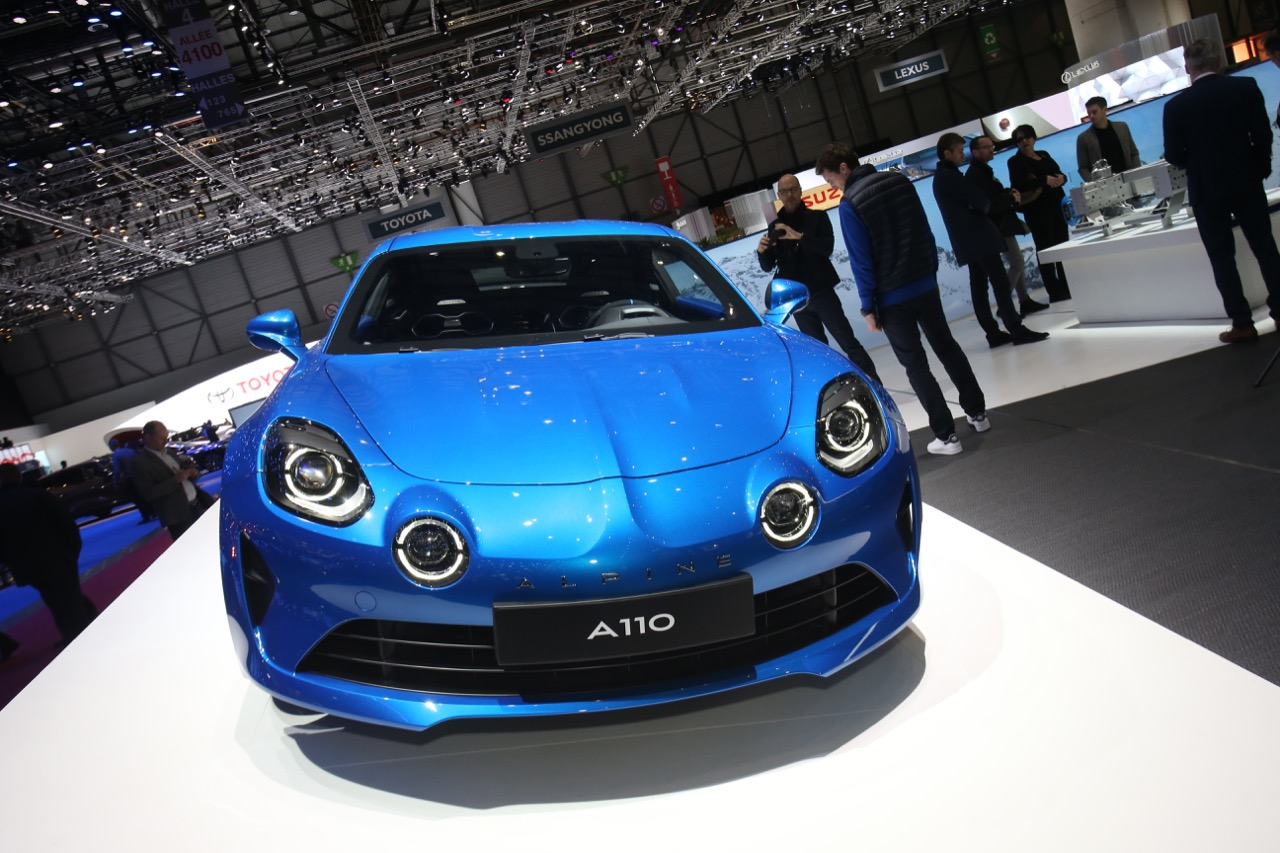 alpine a110 salone di ginevra 2017 6 12. Black Bedroom Furniture Sets. Home Design Ideas