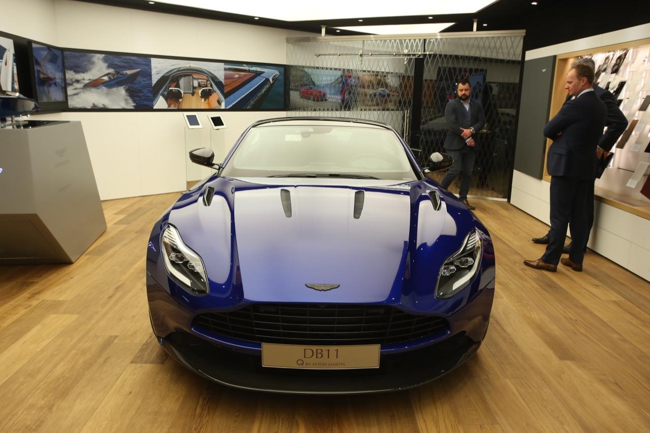 Aston Martin DB11 Q - Salone di Ginevra 2017