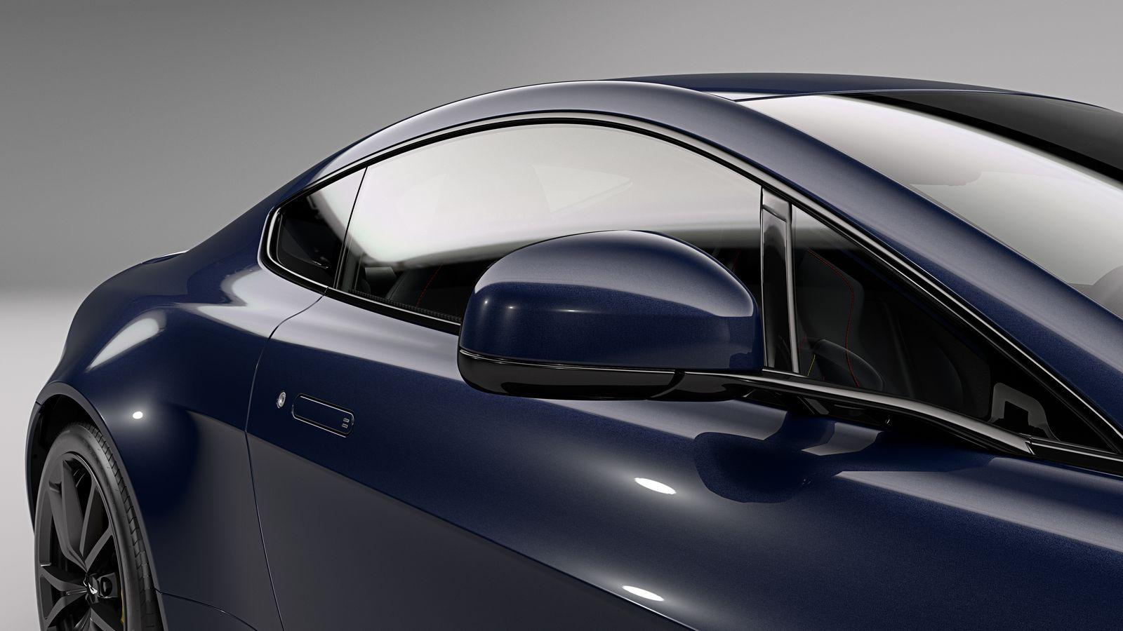 Aston Martin V8 e V12 Vantage S - Red Bull Racing Edition
