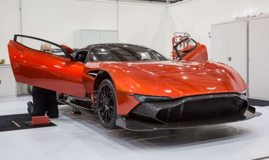 Aston Martin Vulcan - Black Friday 2015 - 9/12