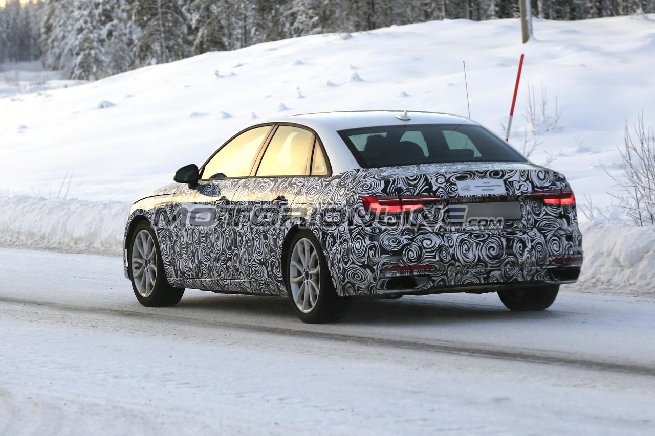Audi A4 MY 2020 foto spia 12 dicembre 2018