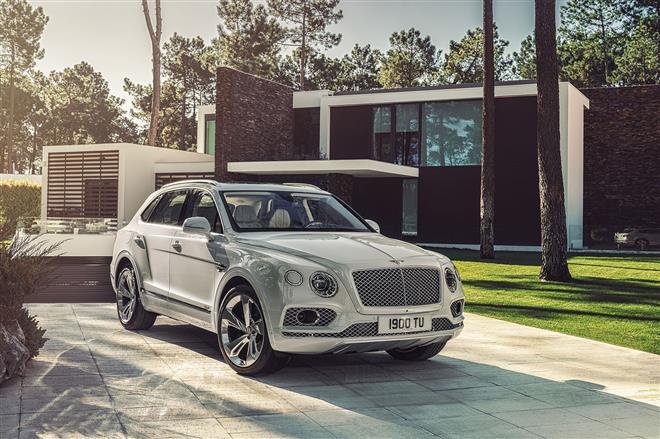 Bentley Bentayga Plug-In Hybrid foto leaked