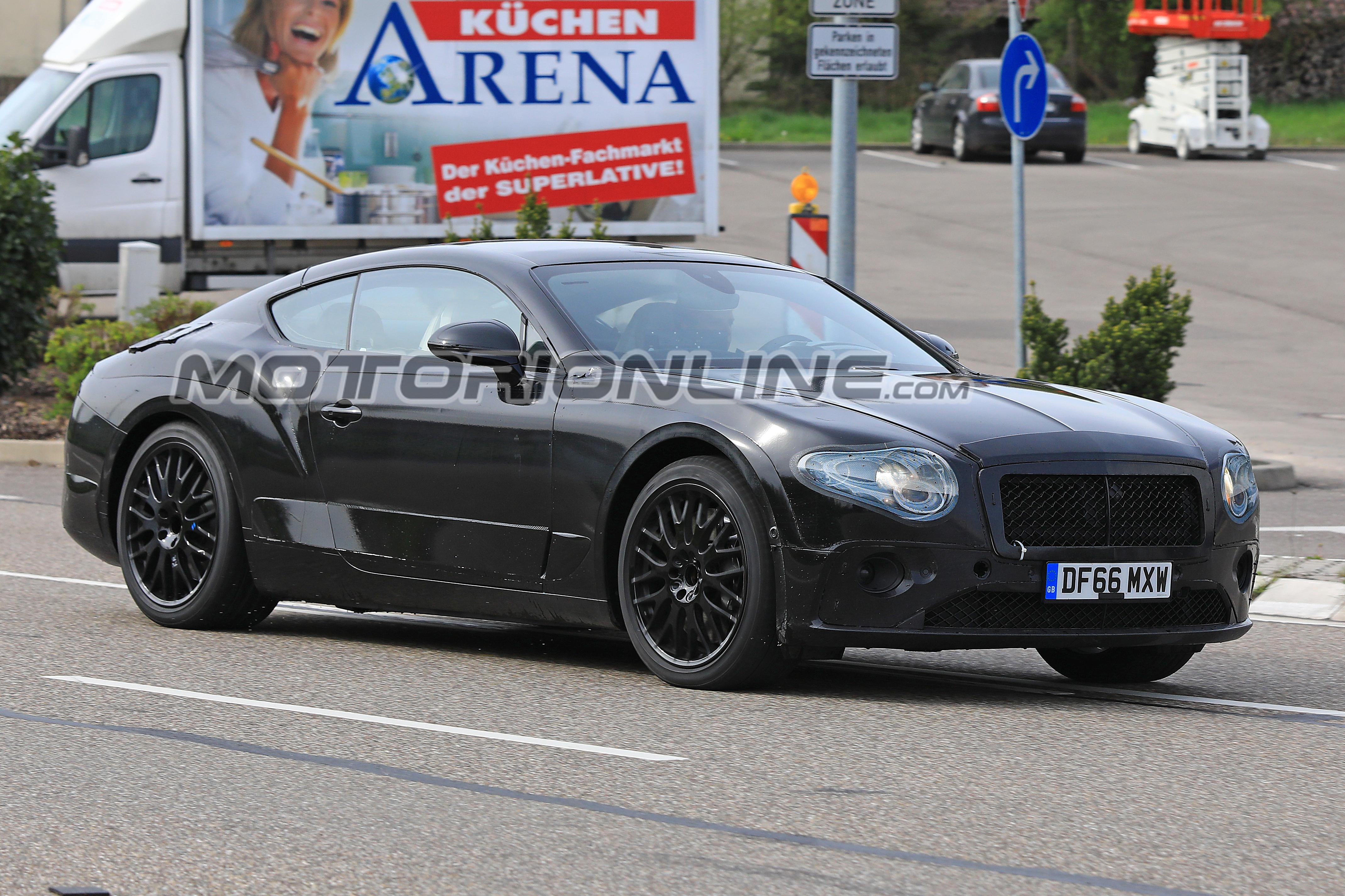 Bentley Continental GT MY 2018 foto spia 21 aprile 2018