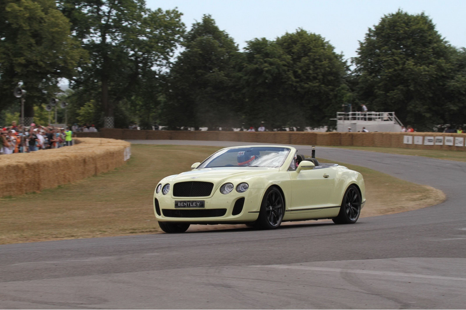 Bentley Continental Supersports convertibile a Goodwood