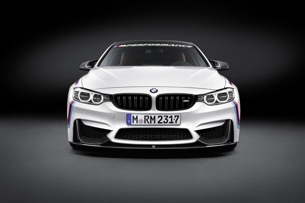BMW M4 Coupe con parti M Performance