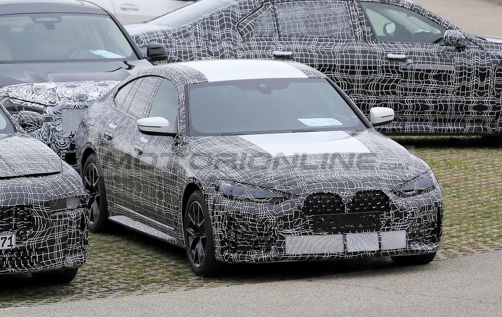 BMW Serie 4 Gran Coupe 2021 - Foto spia 09-10-2020