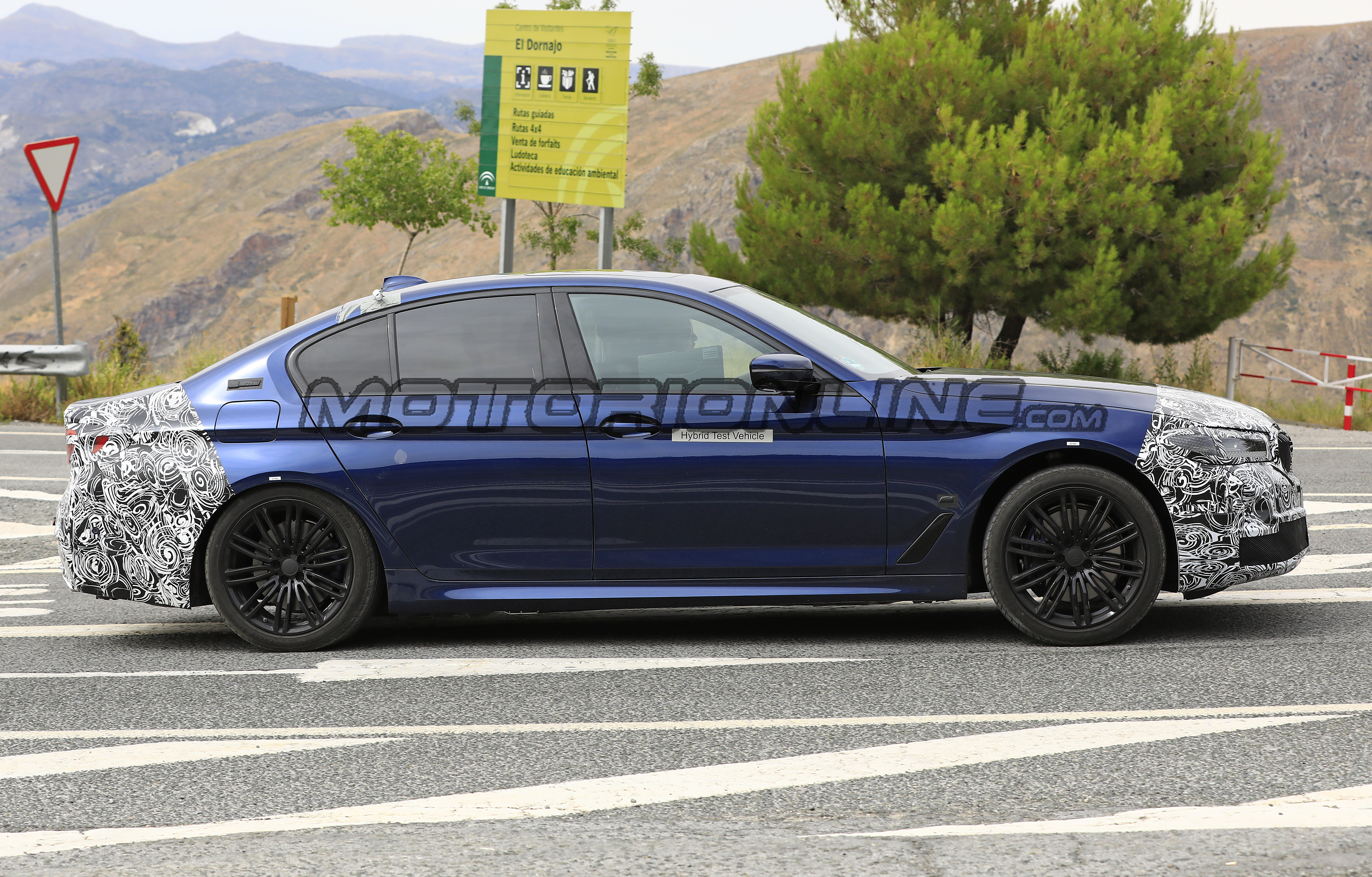 BMW Serie 5 2020 - Foto spia 09-08-2019