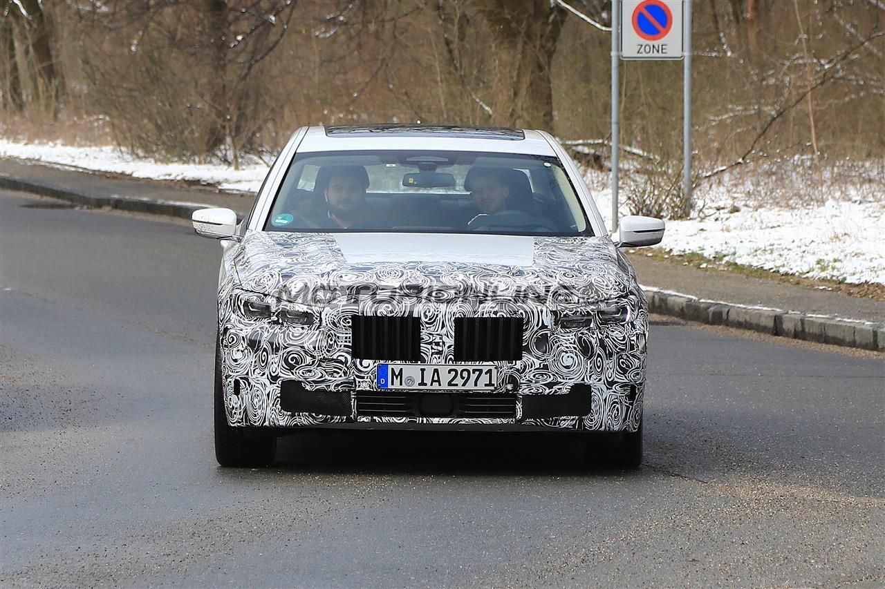 BMW Serie 7 foto spia 22-3-2018