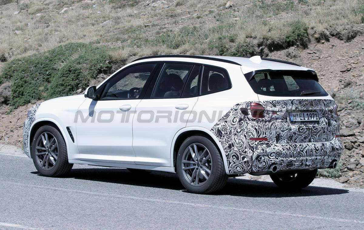 BMW X3 2022 - Foto spia 14-08-2020