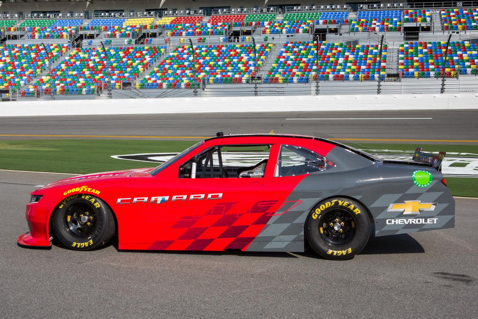 Chevrolet Camaro 2017 (NASCAR Xfinity Series)