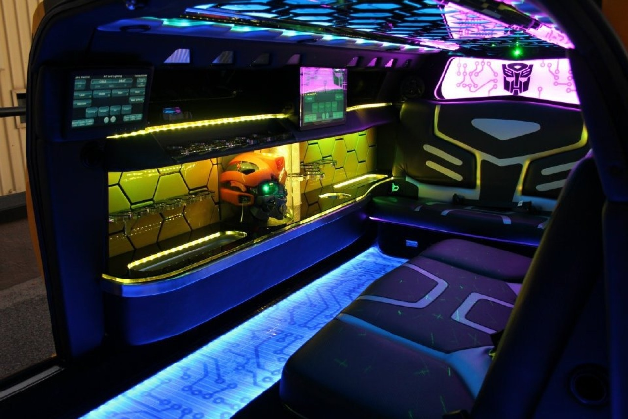 chevrolet camaro bumblebee limousine 4 18. Black Bedroom Furniture Sets. Home Design Ideas