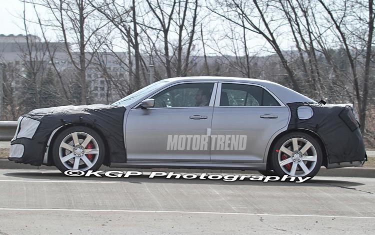 Chrysler 300 SRT8 Spy