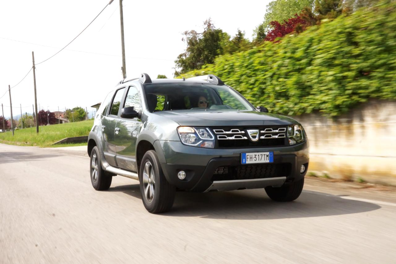 Dacia duster brave prova su strada 2017 1 85 for Prova su strada dacia duster 4x4