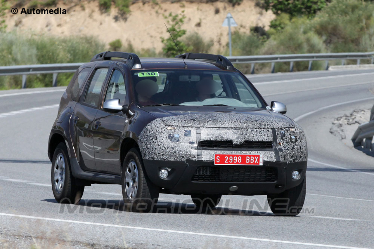 Dacia duster facelift foto spia 20 07 2013 5 5 for Immagini dacia duster
