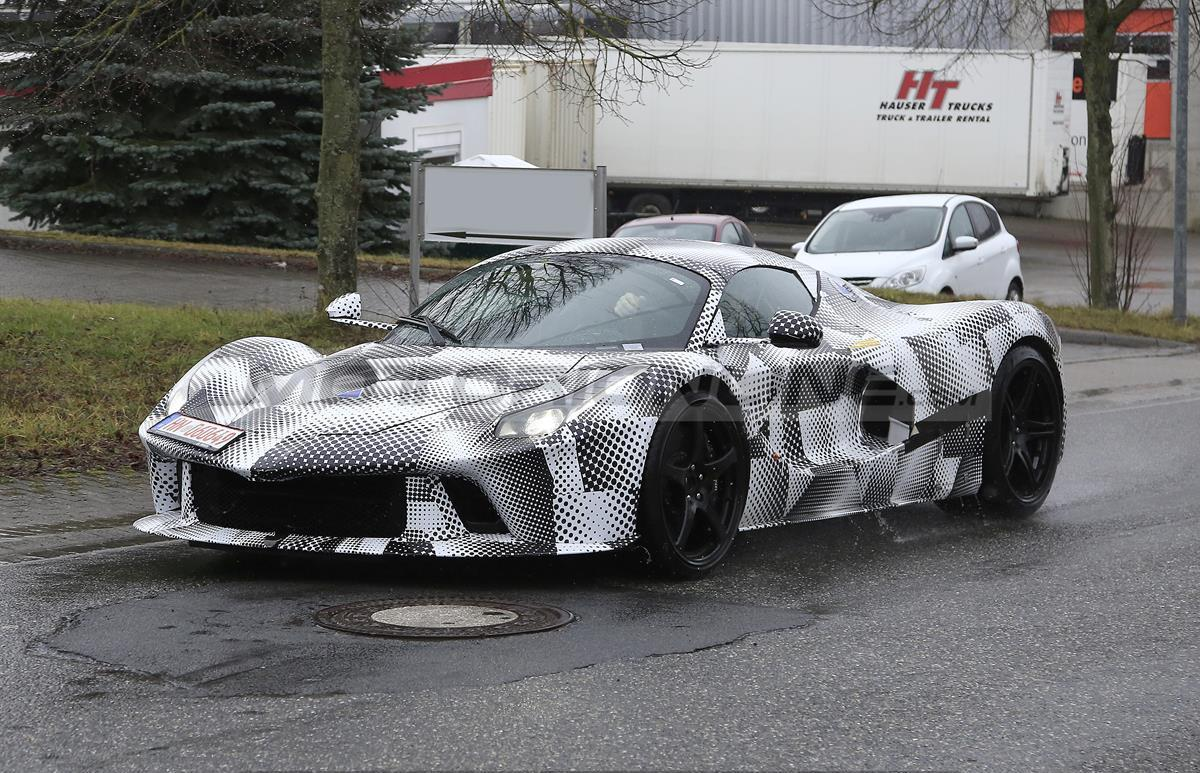 Ferrari LaFerrari - Prototipo 2021 - Foto spia 03-03-2021