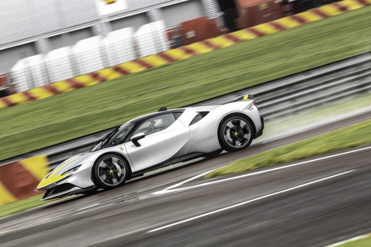 Ferrari SF90 Stradale Assetto Fiorano - Prova in Pista
