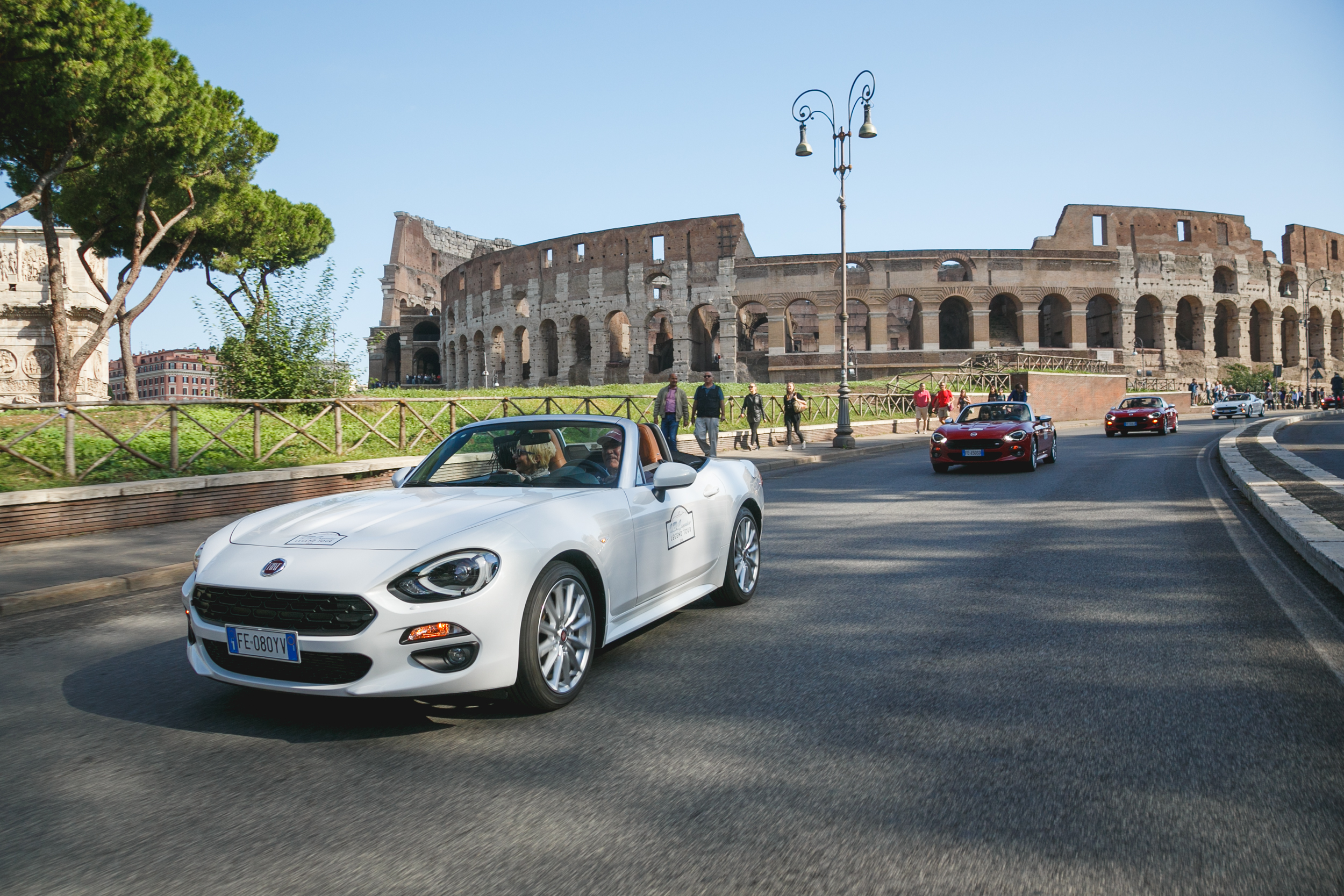 Fiat 124 Spider Legend Tour 2016