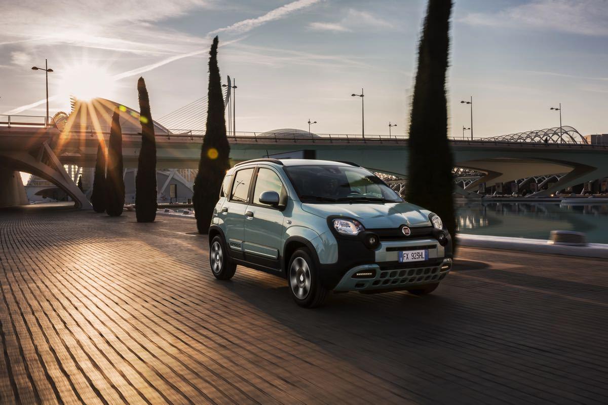 Fiat 500 e Fiat Panda Hybrid 2020