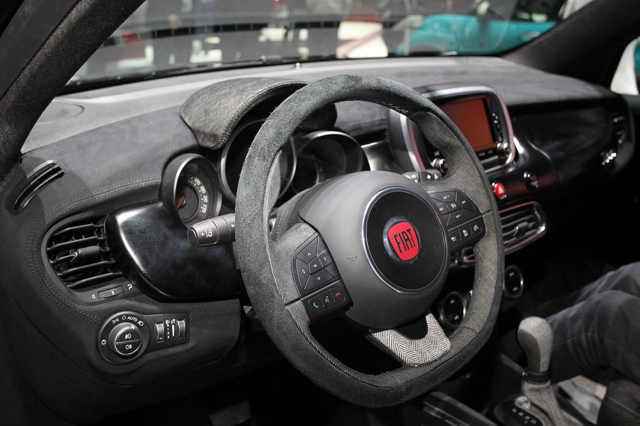 Fiat 500x black tie salone di ginevra 2015 foto 7 di 9 for Landini cucine ginevra