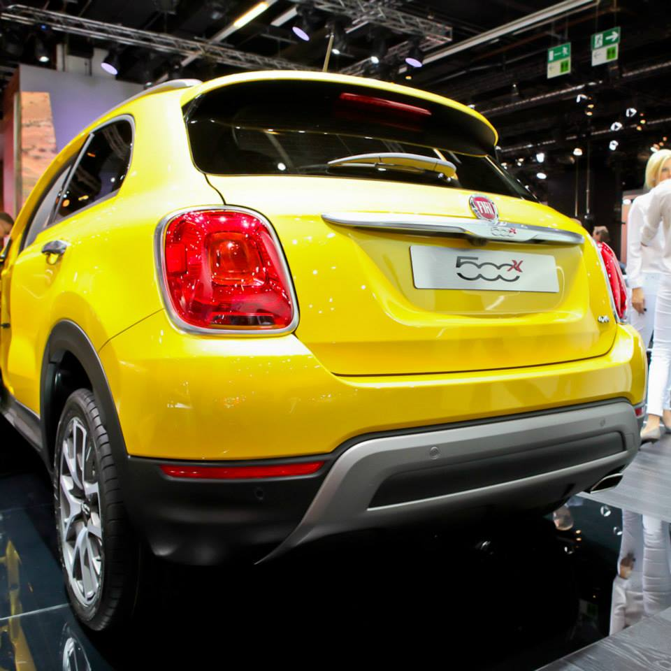 fiat 500x cross plus salone di francoforte 2015 1 10. Black Bedroom Furniture Sets. Home Design Ideas