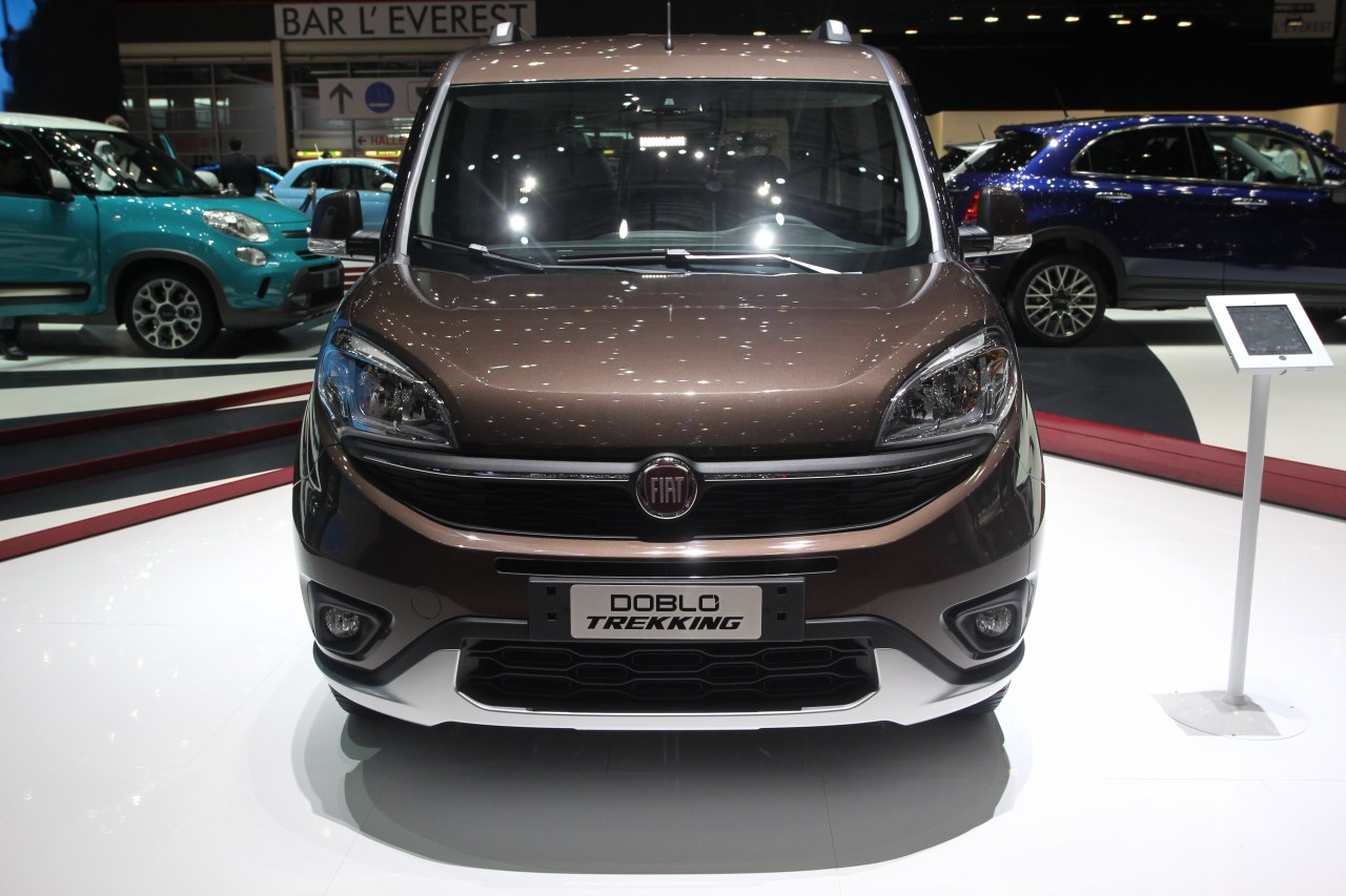 fiat doblo trekking salone di ginevra 2015 2 6. Black Bedroom Furniture Sets. Home Design Ideas