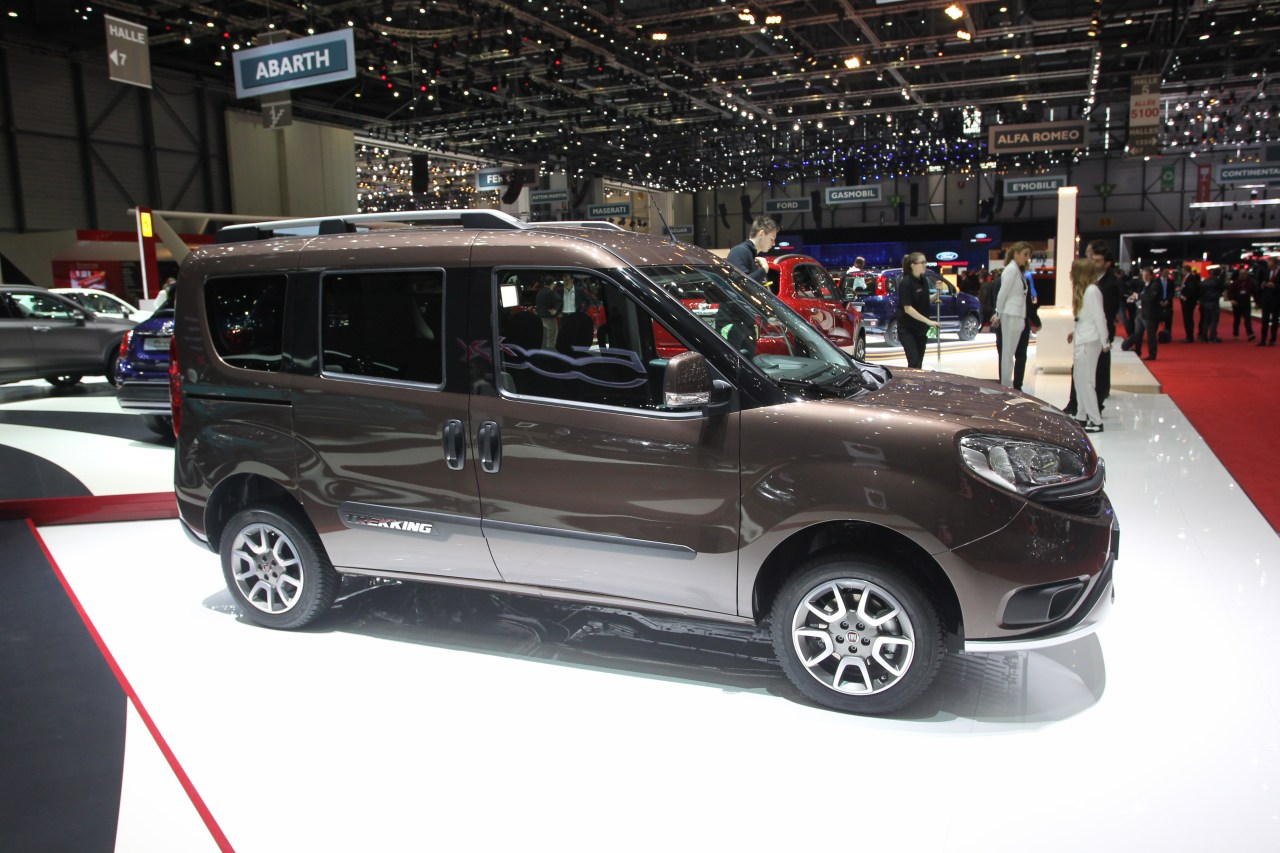 fiat doblo trekking salone di ginevra 2015 3 6. Black Bedroom Furniture Sets. Home Design Ideas